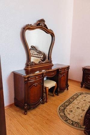 Санаторий радон Хмельник Фото - Номер Radon VIP 1-й корпус - Зеркало