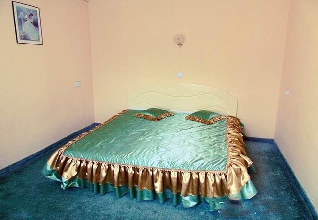 Санаторий Хмельник Профсоюзный Фото - Люкс с кухней 2-комнатный 2-местный - Кровать.