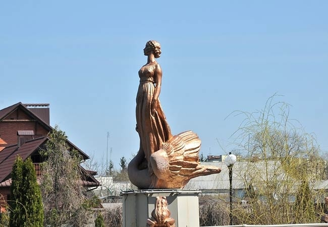 Санаторий Железнодорожников Хмельник Фото - Статуя.