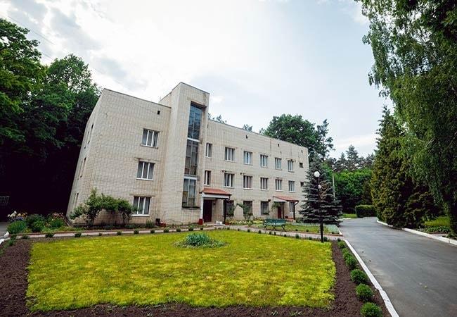 Санаторий Подолье Хмельник Фото - территория.