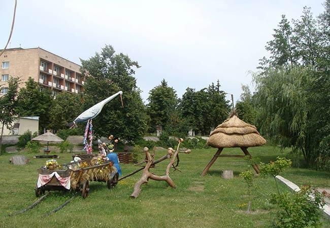 Санаторий МВД Миргород Фото - на Территории.