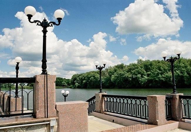 Санаторий имени Гоголя Фото - Река.