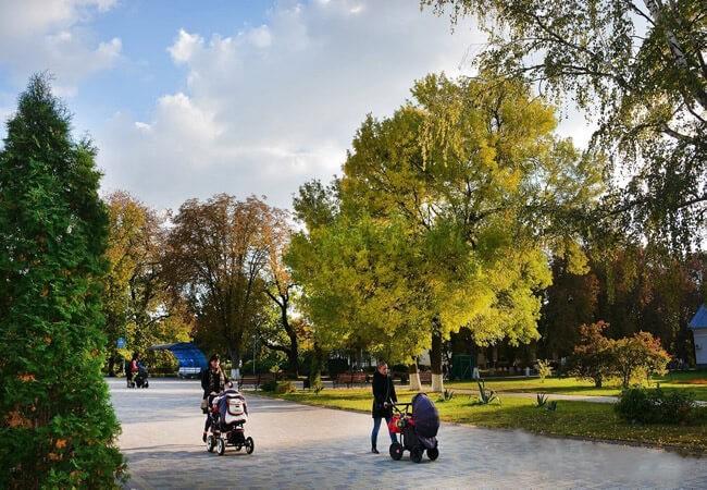 Санаторій Полтава Миргород Фото - Прогулка.