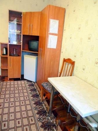 Санаторий Хмельник Профсоюзный Фото - Номер Улучшенный 1-комнатный 1-местный (корпус №4) - Комната.