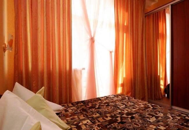 Березовый Гай Миргород Фото - Номер Люкс 2-комнатный - Кровать.