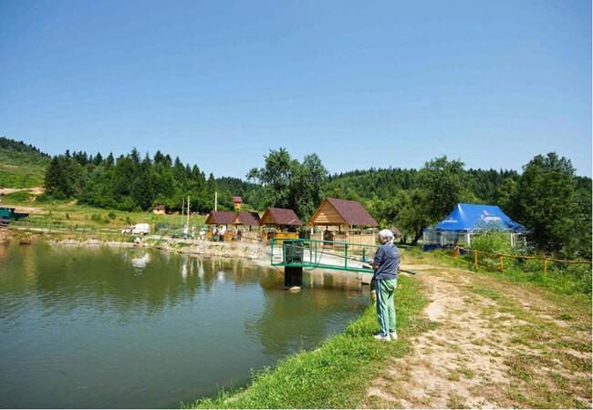 Ферма форели, рыбалка в Сходнице.