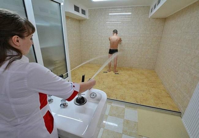 Лечебный душ в Сходнице.