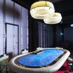 Отель Три Сына и Дочка 5* Фото - Покерный стол.