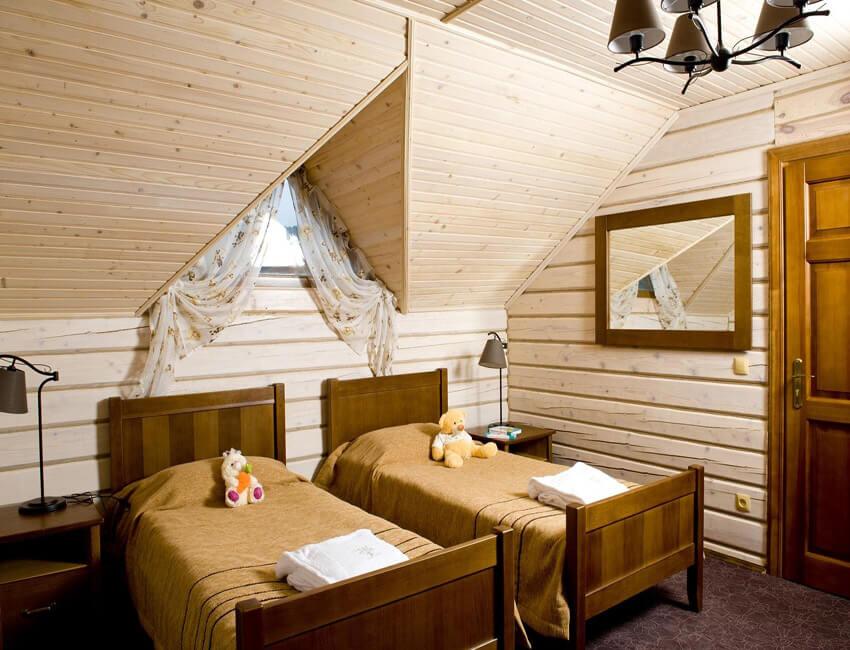 Таор Карпаты Сходница Фото - Номер большой семейный дом - двуспальные кровати.