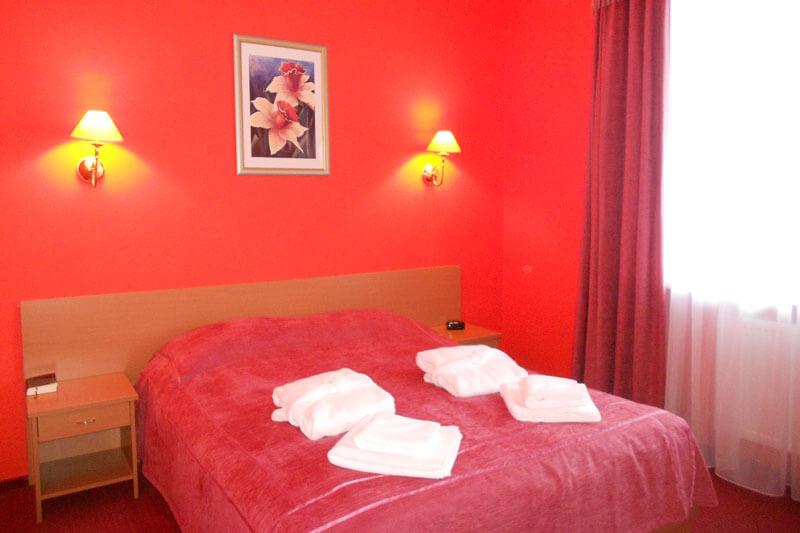 Санта Мария Сходница Фото - Номер люкс двухкомнатный - Двуспальная кровать.