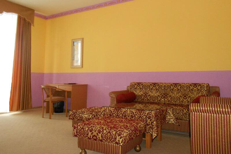 Санта Мария Сходница Фото - Номер люкс двухкомнатный - в гостиной.
