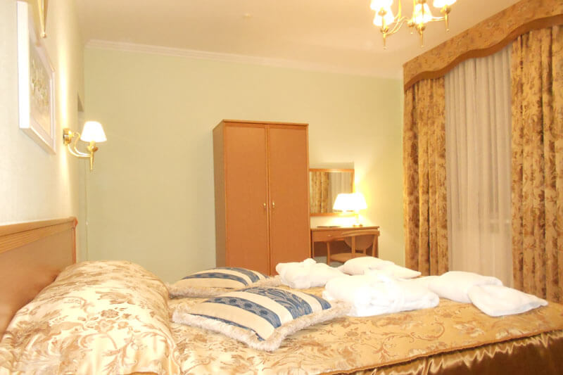 Санта Мария Сходница Фото - Номер люкс двухкомнатный - Спальня