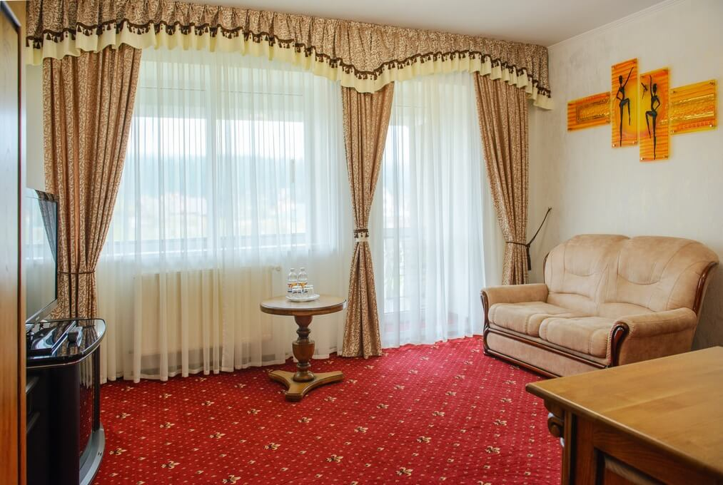 Отель Дианна Сходница Фото - Номер люкс классик - Гостиная.
