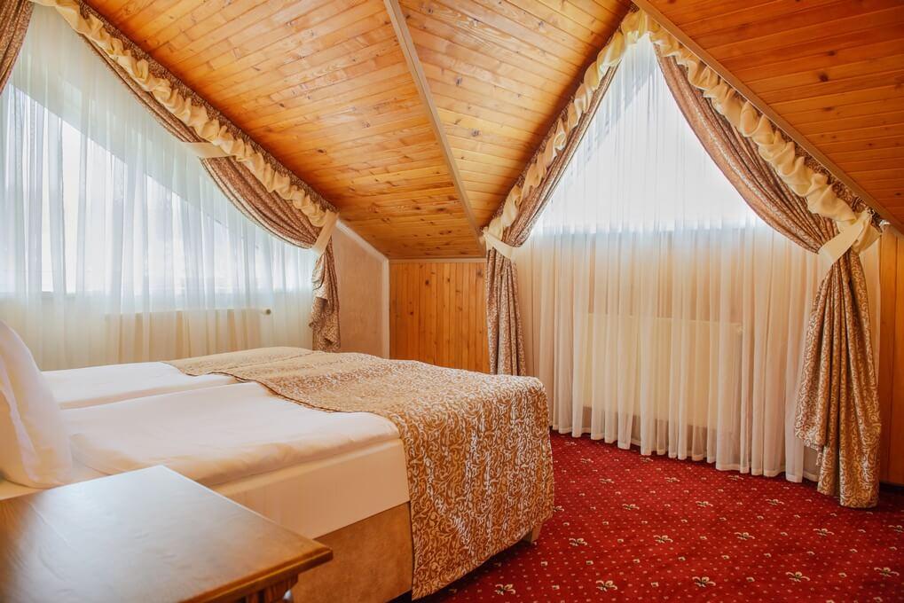 Отель Дианна Сходница Фото - Номер люкс классик - Спальня.