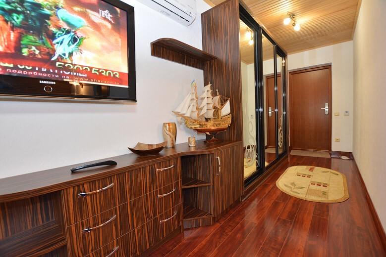 Отель Дианна Сходница Фото - Номер люкс комфорт - Комплектация гостиной.