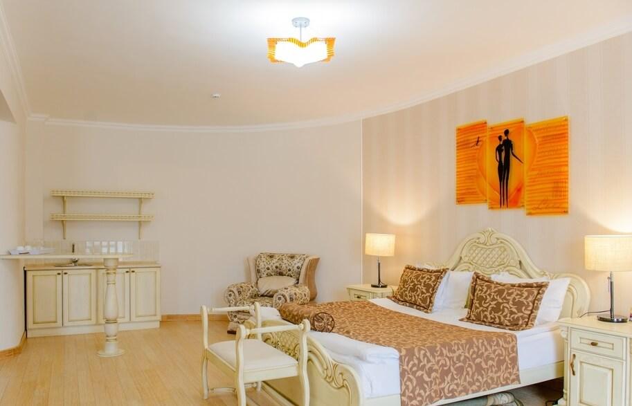 Отель Дианна Сходница Фото - Номер люкс комфорт - Спальня.