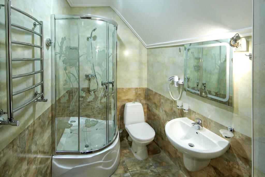 Отель Дианна Сходница Фото - Номер люкс двухуровневый - Санузел.