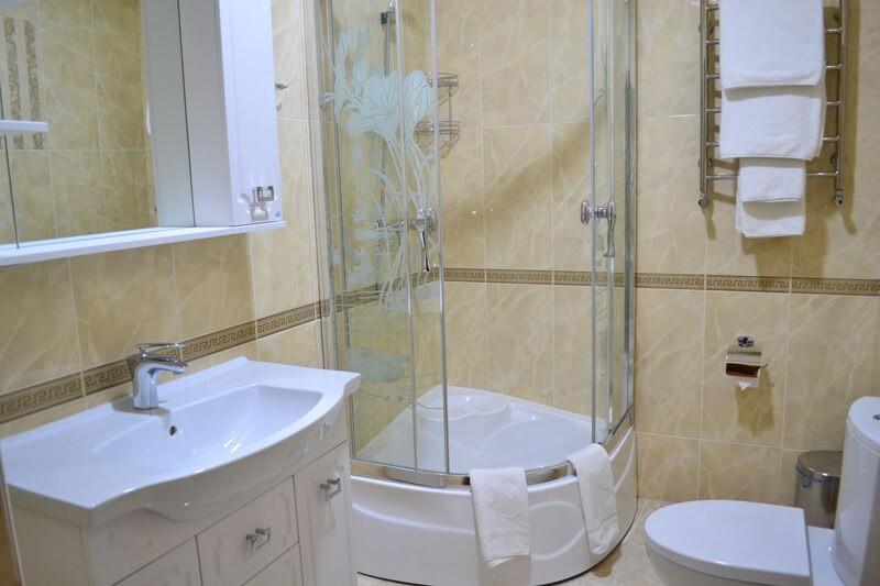 Отель Дианна Сходница Фото - Номер люкс супериор - Душевая кабина.