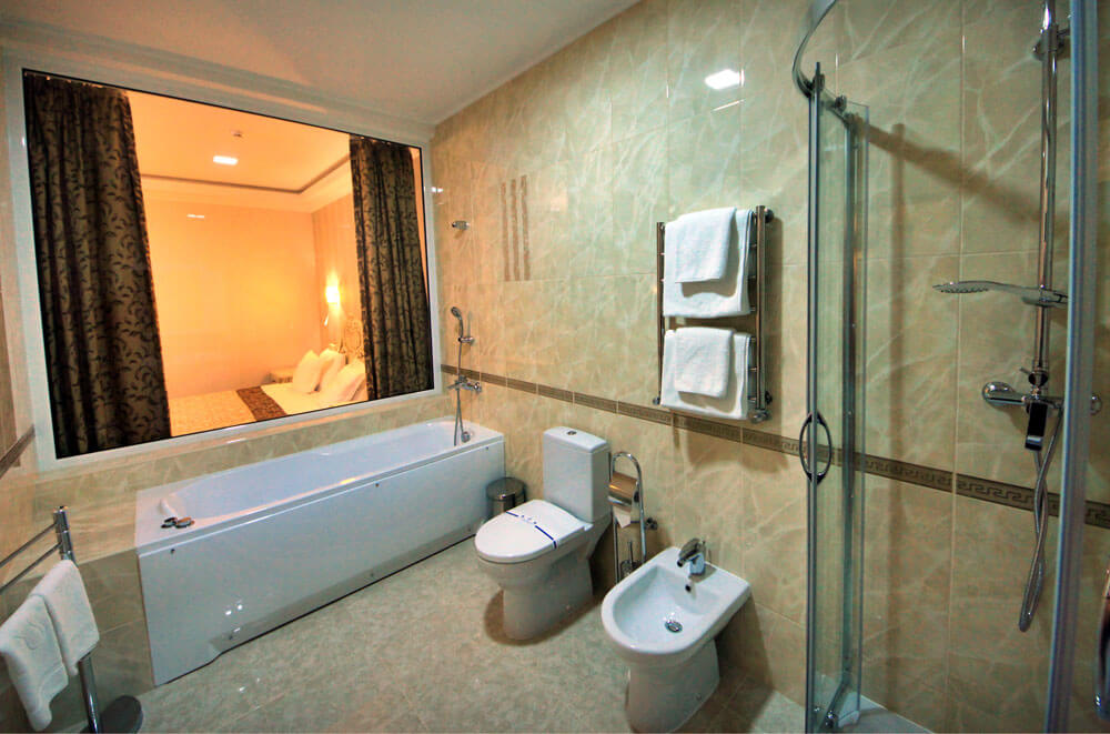 Отель Дианна Сходница Фото - Номер люкс трехкомнатный - Санузел.