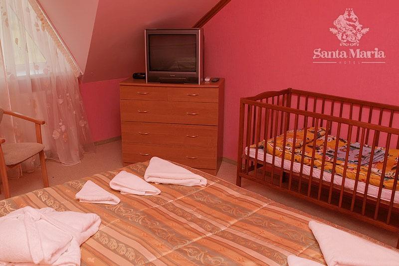 Санта Мария Сходница Фото - Номер люкс с камином - телевизор.