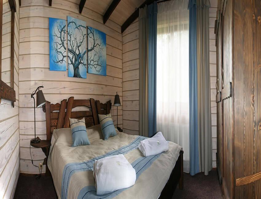 Таор Карпаты Сходница Фото - Номер маленький семейный дом - Двуспальная кровать.