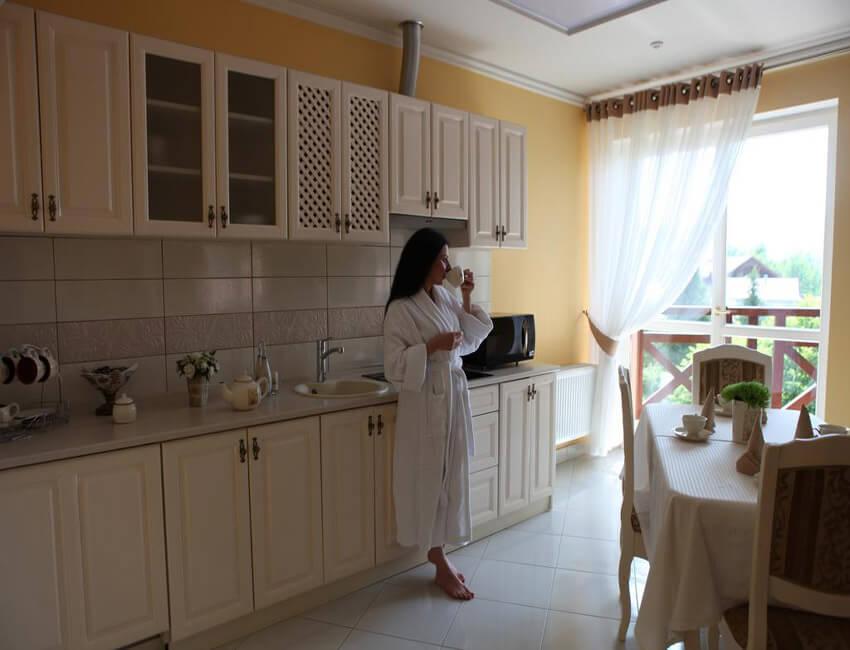 Отель Респект Сходница Фото - Номер апартаменты - В номере.
