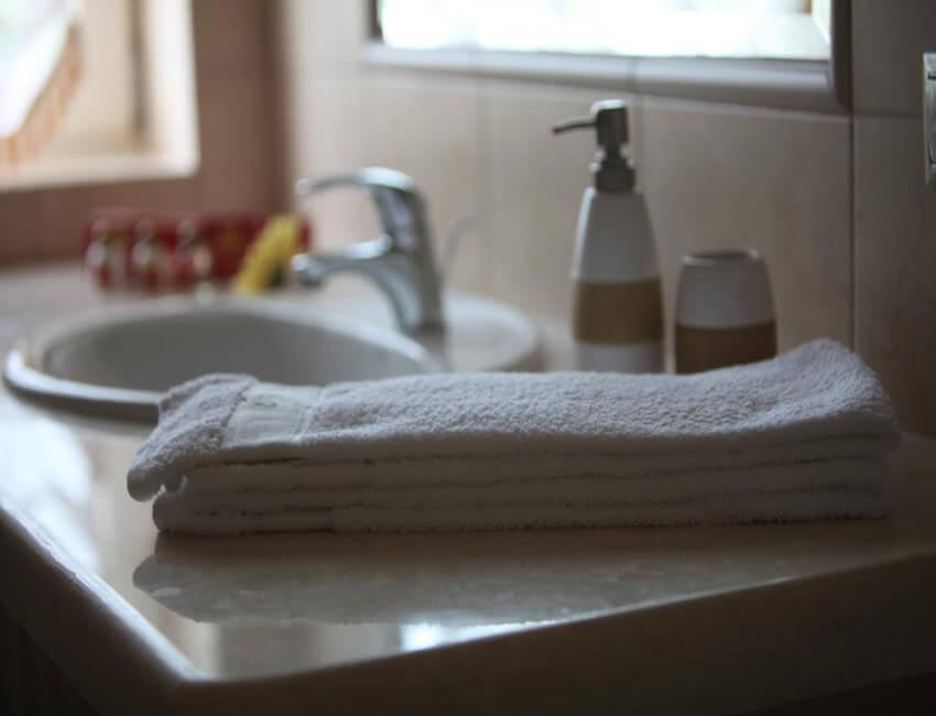 Отель Респект Сходница Фото - Номер апартаменты - Банная косметика.
