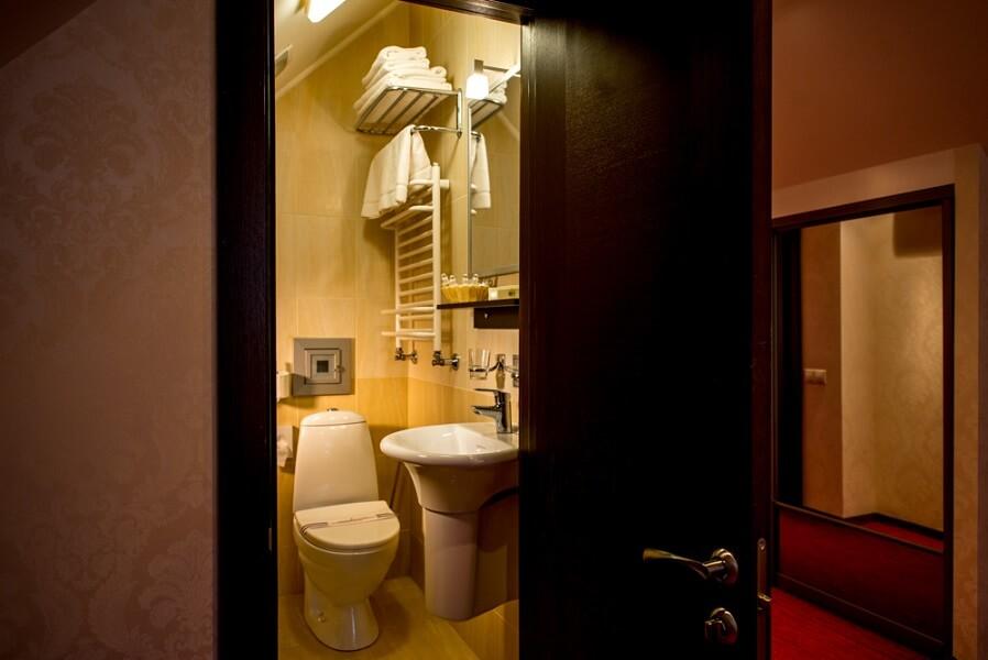 киевская русь сходница фото - номер апартаменты - туалет.