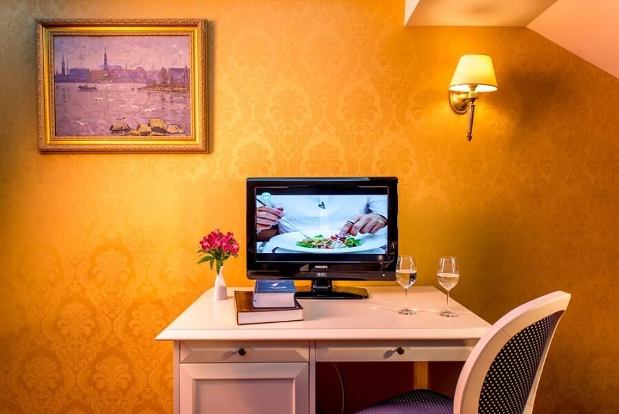 киевская русь сходница фото - номер апартаменты - телевизор.