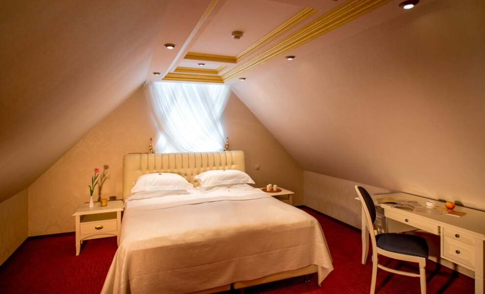 киевская русь сходница фото - номер апартаменты - Кровать.