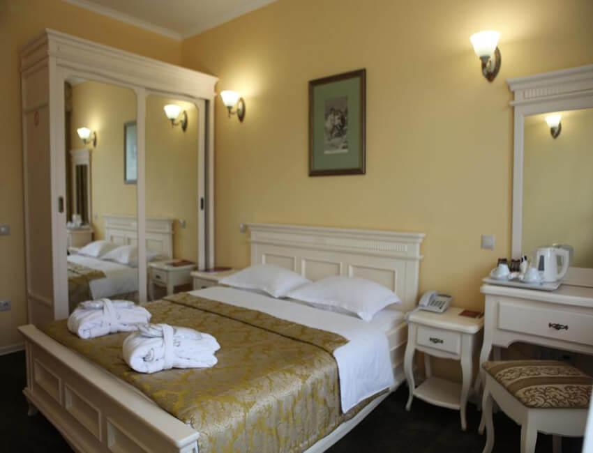 Отель Респект Сходница Фото - Номер стандарт - Кровать.