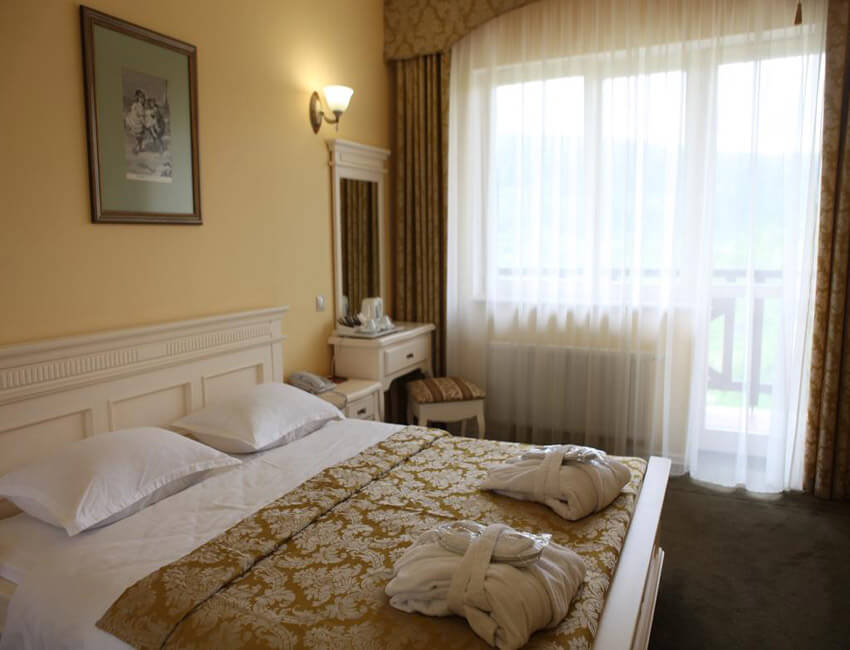 Отель Респект Сходница Фото - Номер стандарт - Спальня.