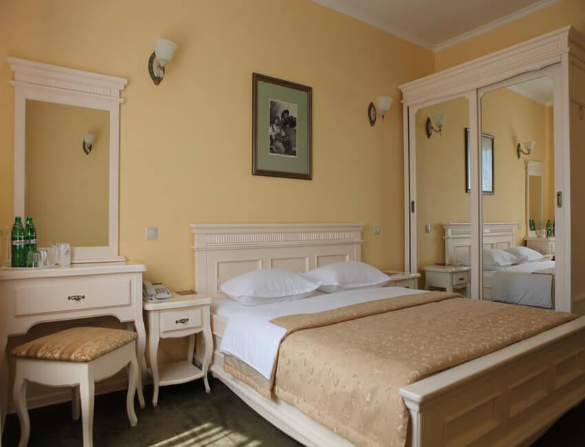 Отель Респект Сходница Фото - Номер стандарт - Комната.