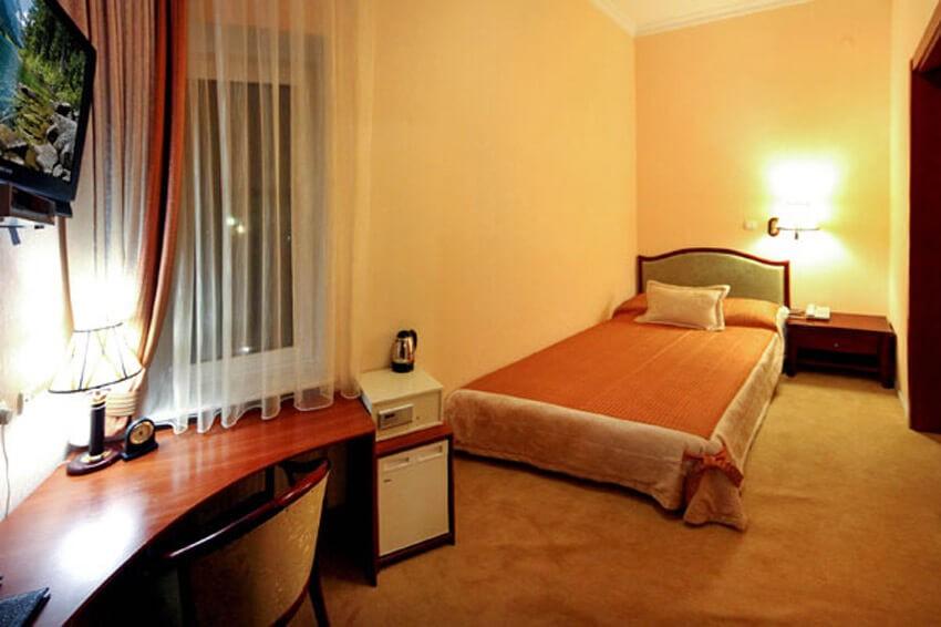 Тустань Сходница Фото - Номер одноместный стандарт Б - Кровать.