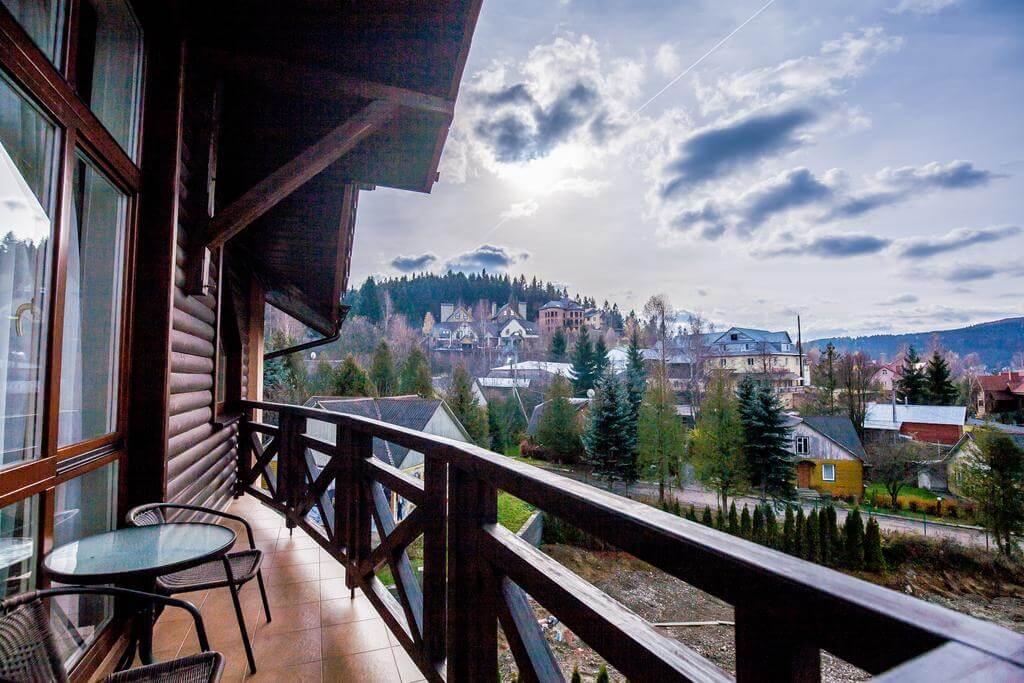 Отель Респект Сходница Фото - на балконе.