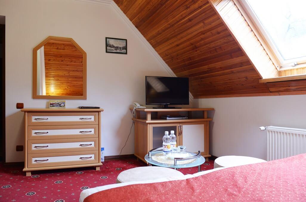Отель Дианна Сходница Фото - Номер стандарт однокомнатный - Комплектация спальни.