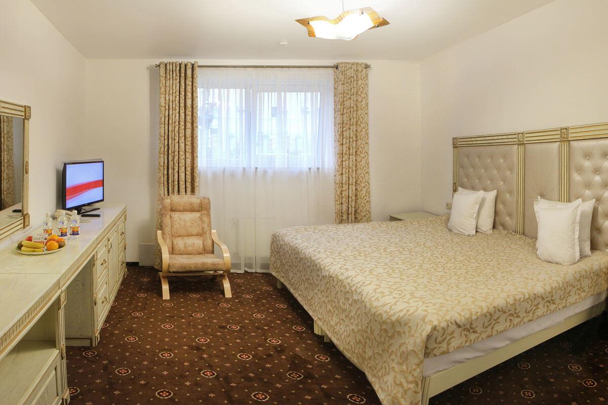 Отель Дианна Сходница Фото - Номер стандарт комфорт - Кровать.