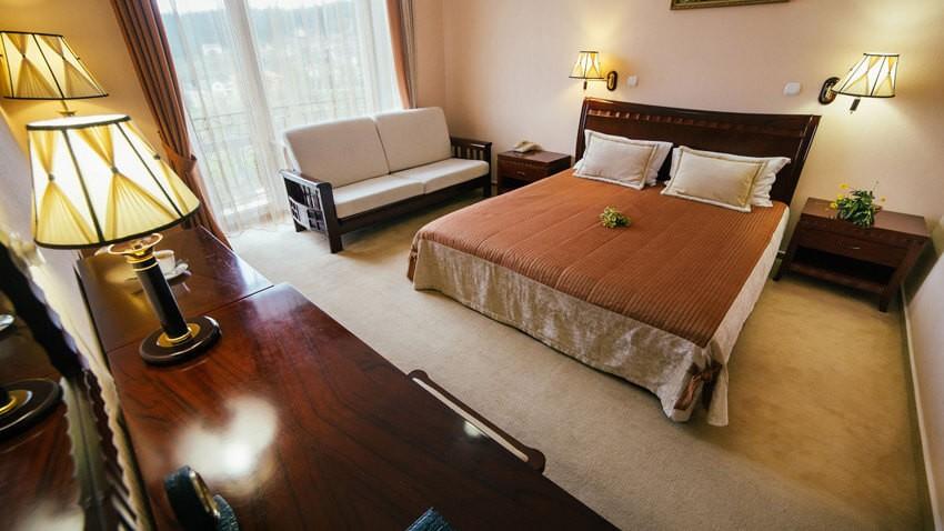 Тустань Сходница Фото - Номер стандарт двухместный А - Кровать.