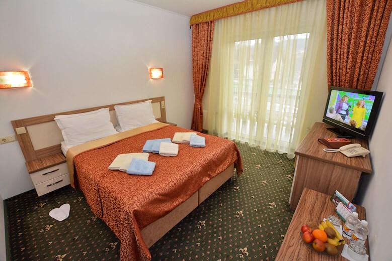 Отель Дианна Сходница Фото - Номер стандарт superiour - в спальне.