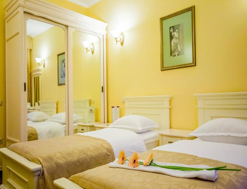 Отель Респект Сходница Фото - Номер стандарт улучшенный - Две кровати.