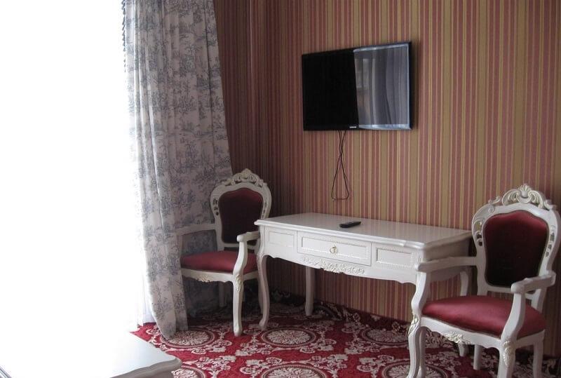 Женева Royal Sun Номер - DELUXE SUITE - Мебель.