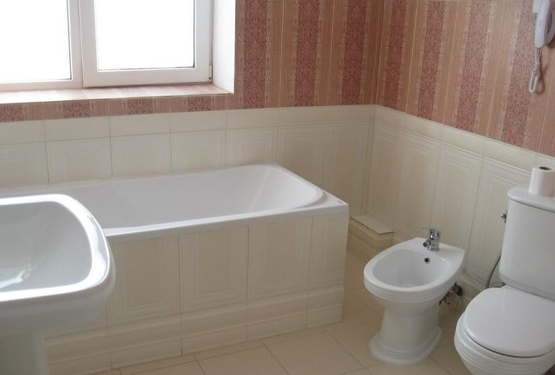 Женева Royal Sun Номер - DELUXE SUITE - ванна.