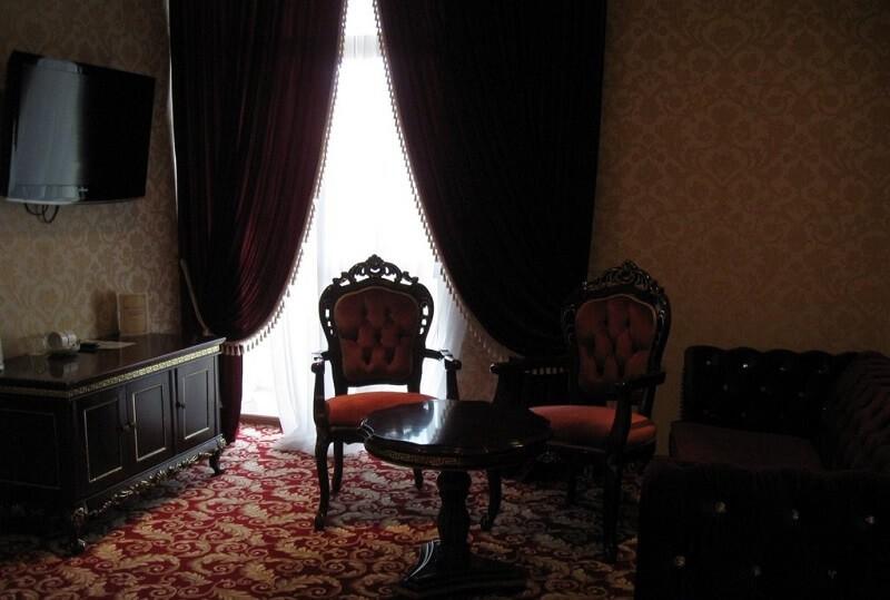 Женева Royal Grand Номер - DE LUXE SUITE - Кресла.