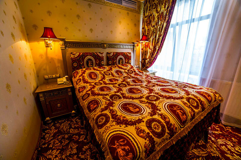 Женева Royal Grand Номер - DE LUXE TEMATIK - Кровать.