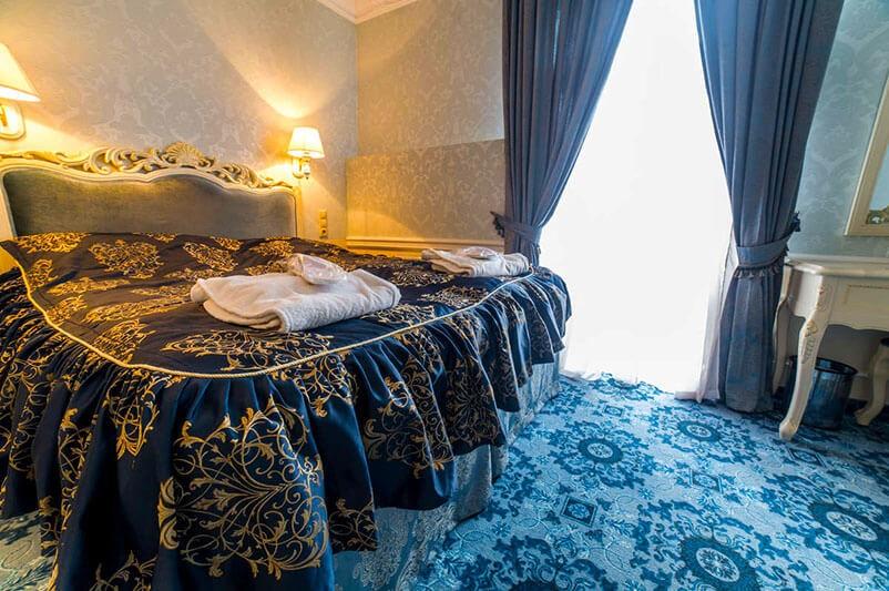 Женева Royal Sun Номер - DOUBLE/TWIN - Кровать.