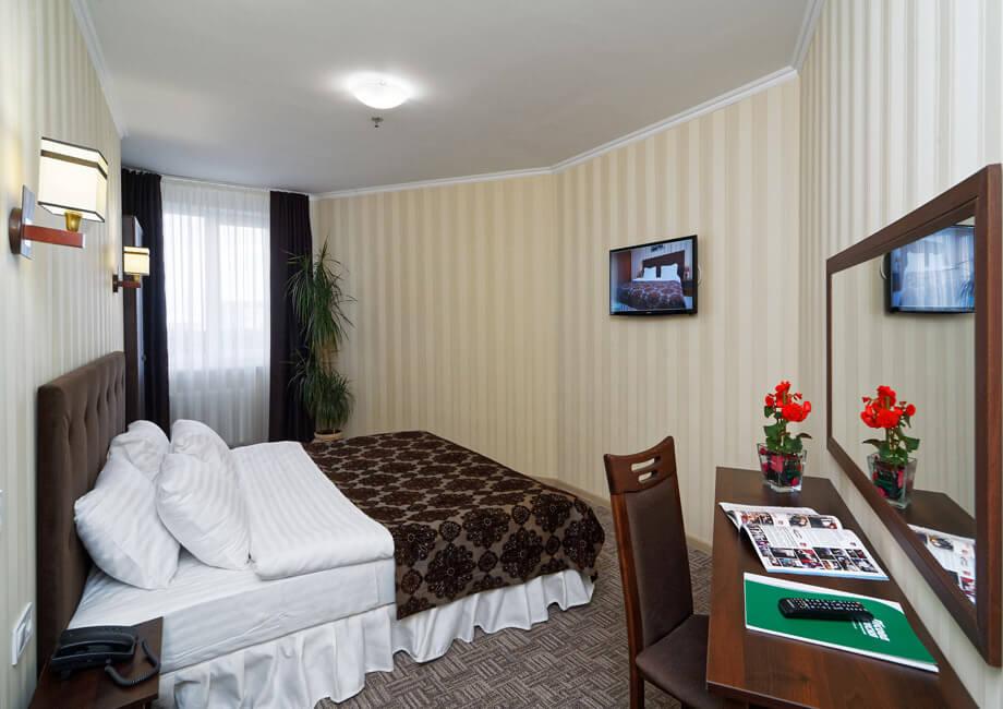 Лесная Песня Трускавец Фото - Номер двухкомнатный апартамент - Спальня.