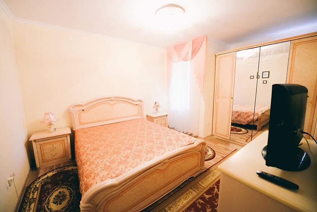 Санаторий Аркада Трускавец Номер - двухкомнатный люкс - Кровать.