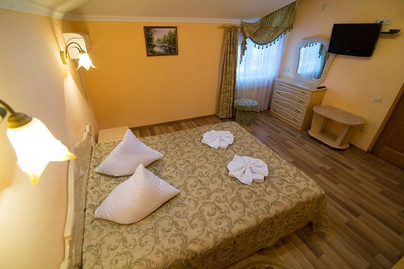 Санаторий Аркада Трускавец Номер - двухкомнатный люкс - Спальня.