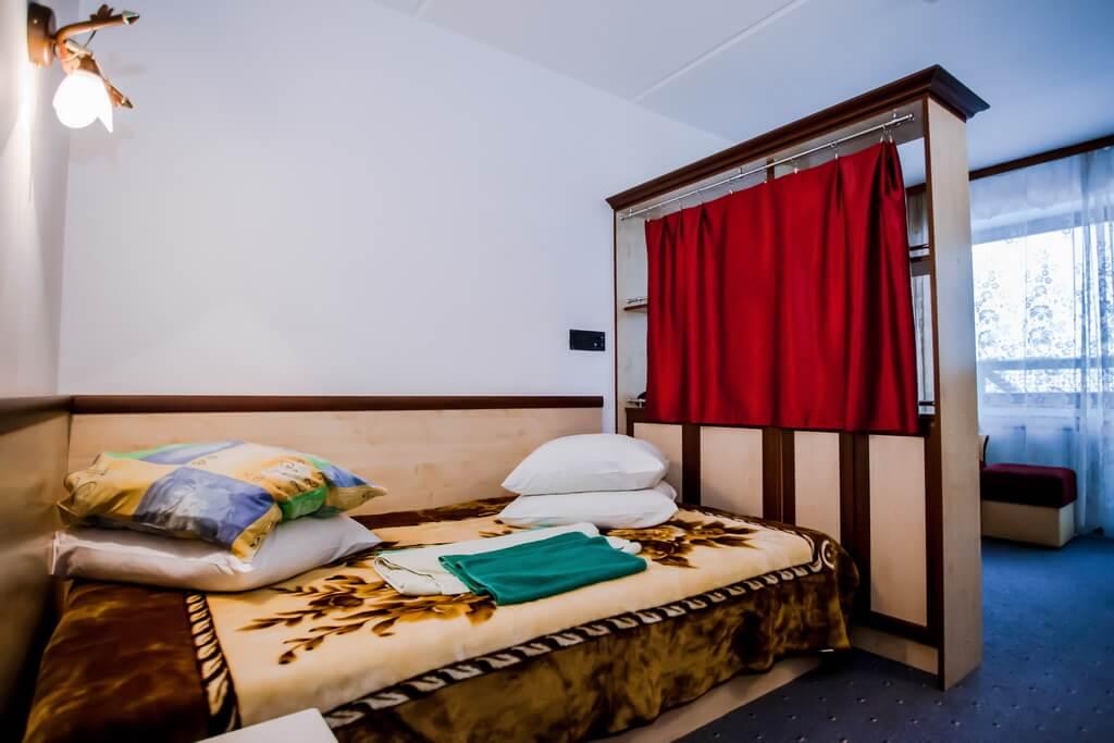 Отель Бескид Номер - Двухместный Полулюкс - Кровать.