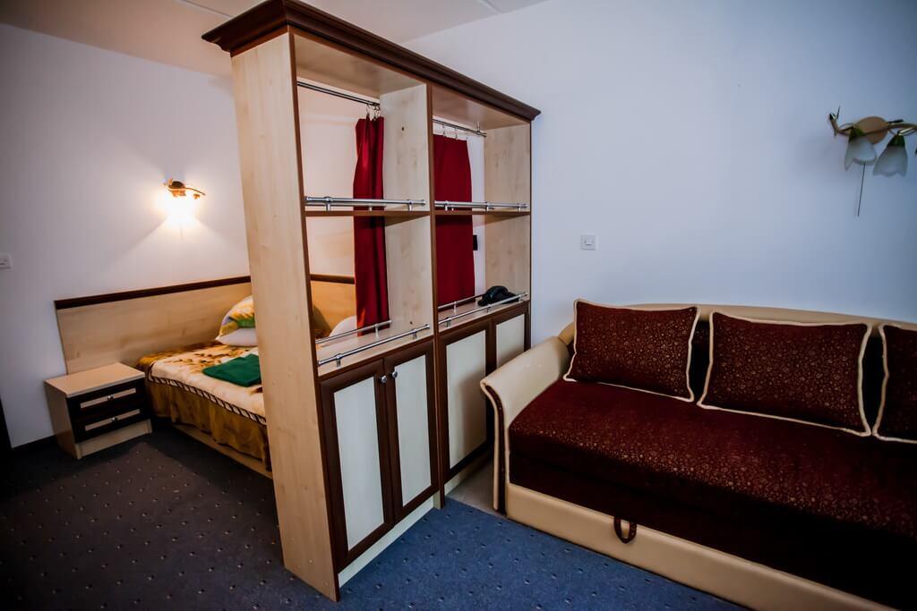 Отель Бескид Номер - Двухместный Полулюкс - Комплектация.